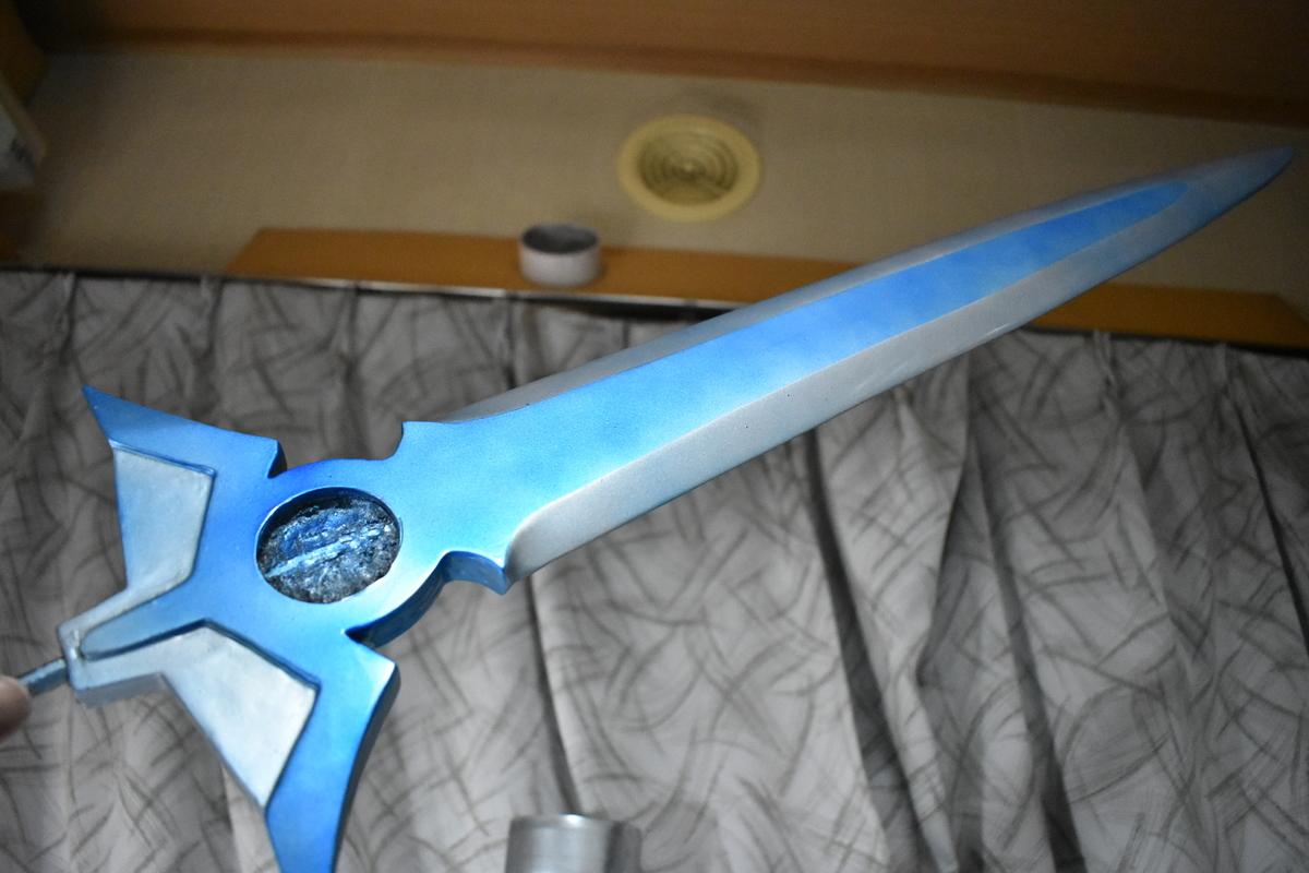 ダイの剣の刀身を磨く