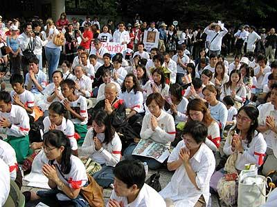 ビルマの平和のため鎌倉で祈りを捧げながら歩く活動