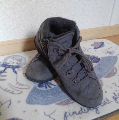 アシックスの冬靴