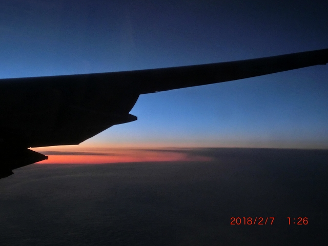 飛行機内から見る夕焼け