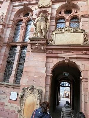 フリードリヒ4世像