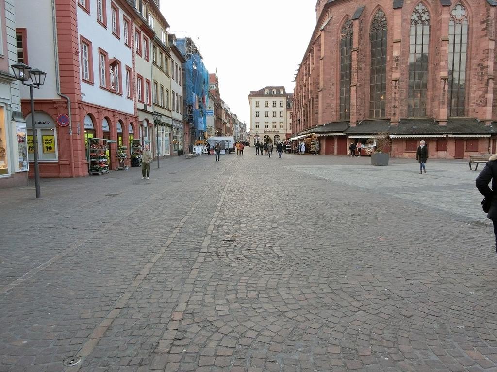 教会周辺の街並み