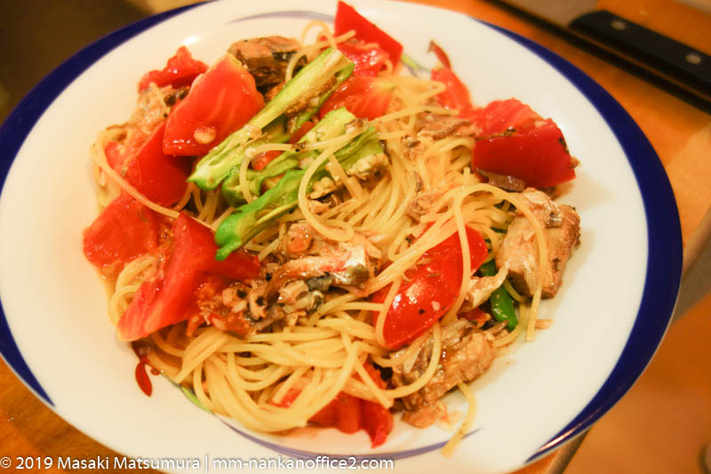 サヴァ缶とトマトのパスタ