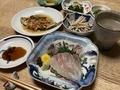 2020/04/17 晩飯 タイ・シマアジの刺身