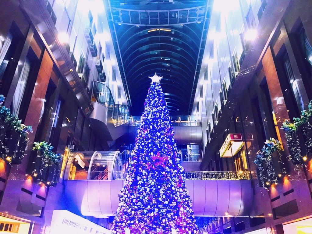 クリスマスシーズンにインスタ映えする場所:徒歩10分圏内で行ける4か所を紹介します。