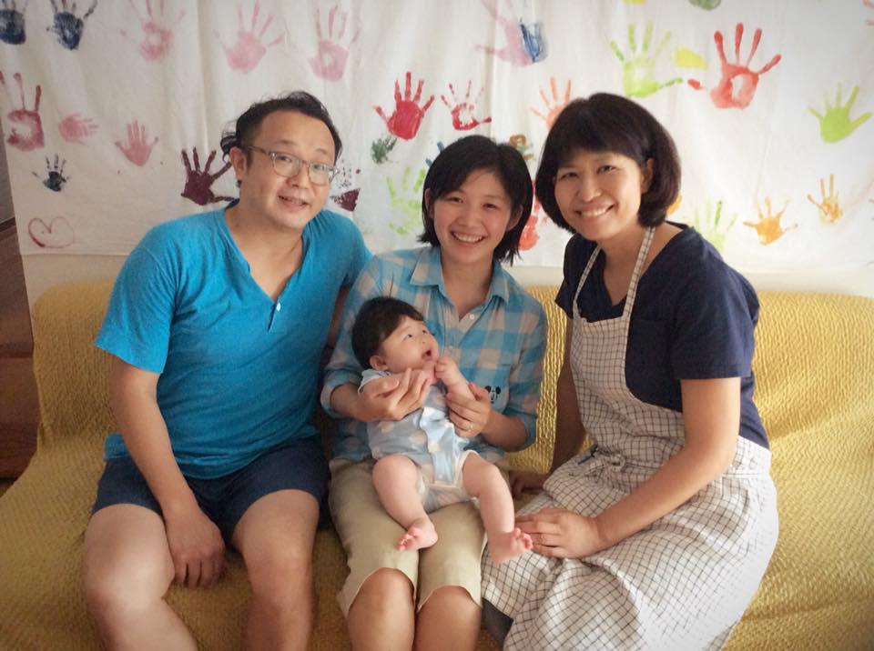 助産院へ産後の「里帰り」をしてくれたご家族と北村さん。