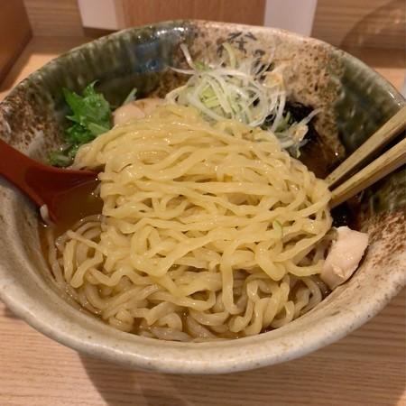 平打ちのちぢれ麺