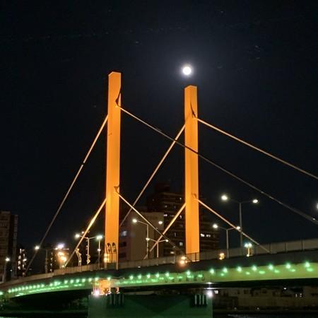 新大橋と月