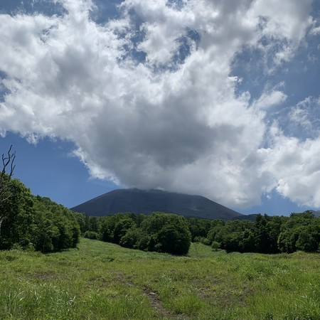 The goal of the ascent is a magnificent view of Mt. Asama