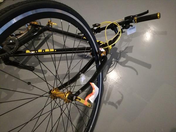 LIG(リグ) MOVE クロスバイク 700Cの前輪取付1