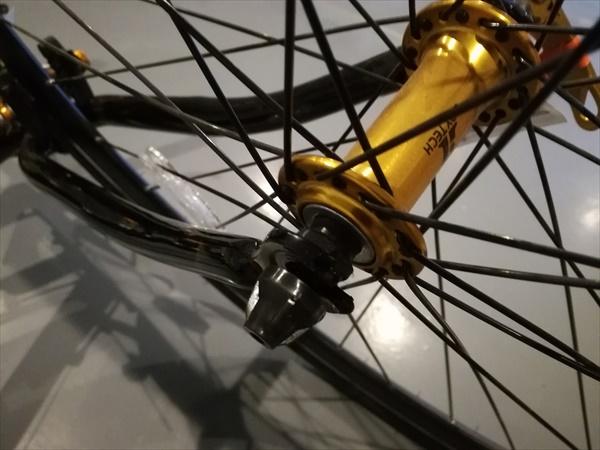 LIG(リグ) MOVE クロスバイク 700Cの前輪取付4