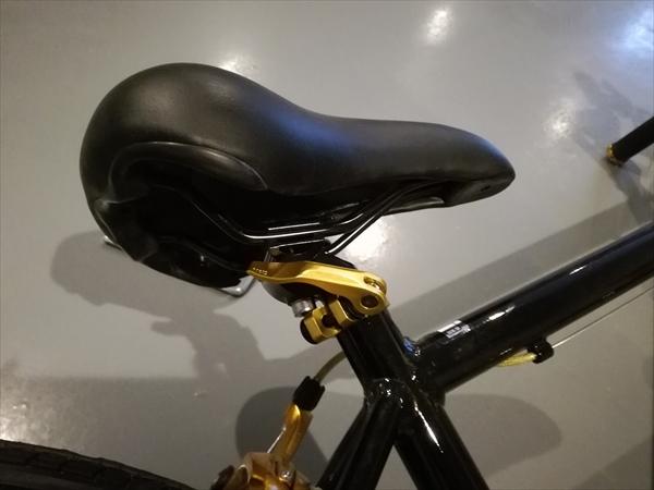 LIG(リグ) MOVE クロスバイク 700Cのサドル取付