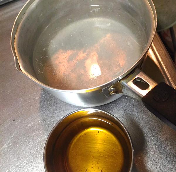 ささみの茹で汁と椎茸の戻し汁