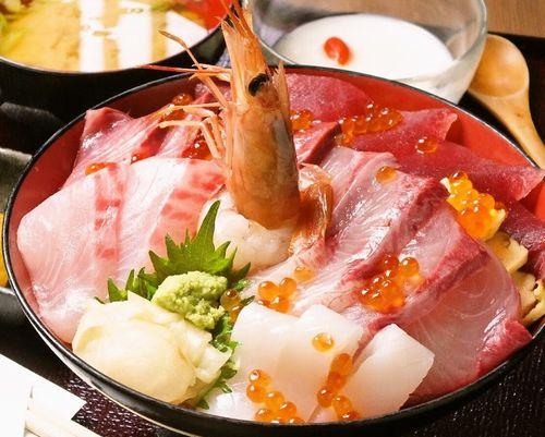 上野湯島駅近くおすすめSNS映えするワンコインで食べられる話題の絶品海鮮ランチ