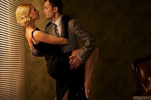 leading_and_following_in_ballroom_dancing.jpg