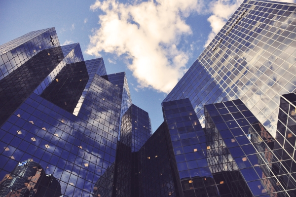 オリックスの年収は?就職転職の企業研究   勤続年数、離職率、採用情報