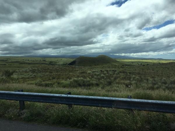 ハワイ島人気現地ツアーの口コミ | ドライブすると至る所に火口跡