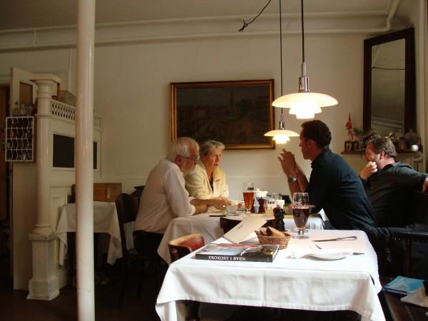 コペンハーゲンのカフェにて