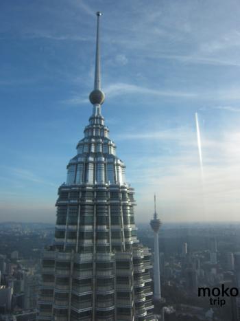 ペトロナス・ツイン・タワー(Petronas Twin Tower)デザインが素敵です!