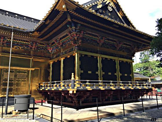 上野東照宮 社殿 側面から