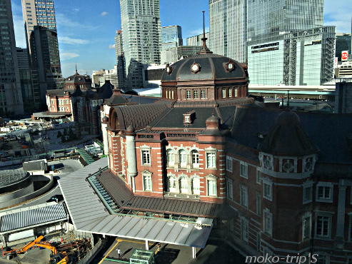 KITTE屋上庭園から見た東京駅