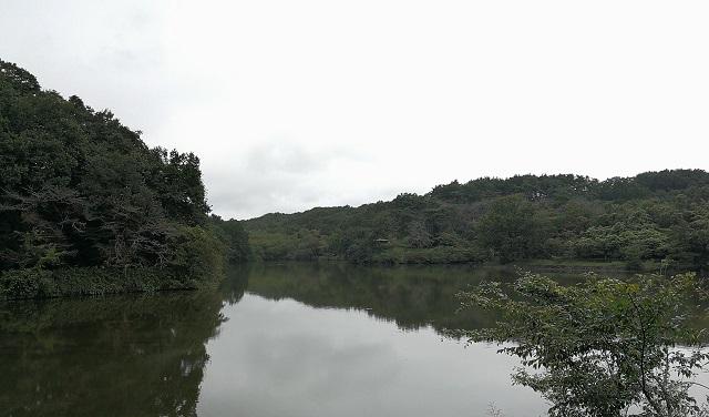 初秋の八丁湖