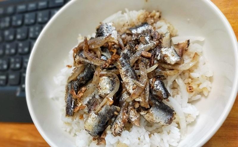 オイルサーディーン丼