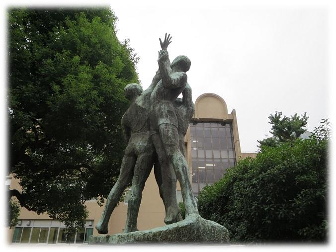 日比谷高校星陵像