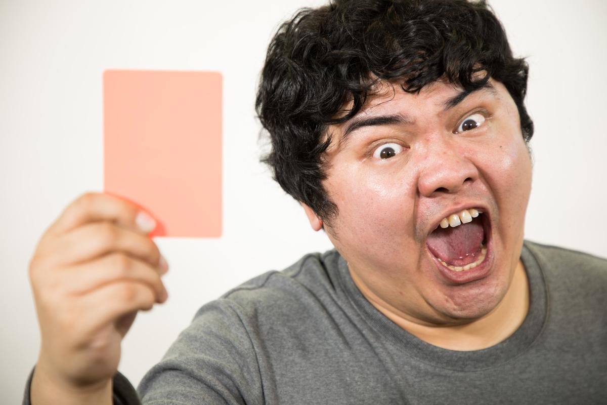 警告 レッドカード