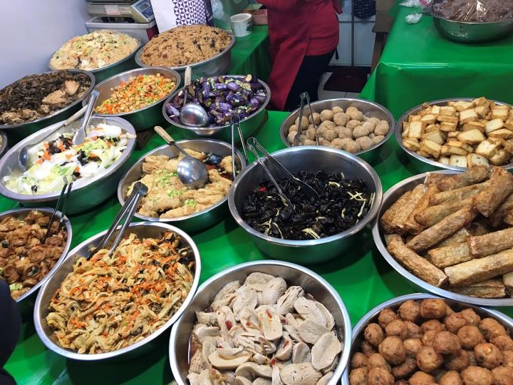 東三水街市場お惣菜売り場の画