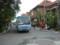 バス停のある交差点にバスがきた