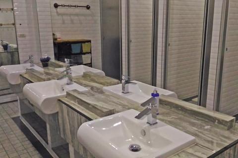 トイレ、シャワールーム