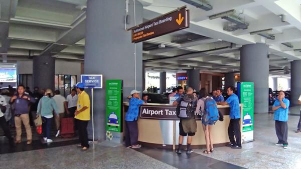 デンパサール空港エアポートタクシーカウンター