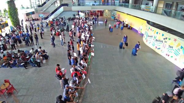 デンパサール空港のミーティングポイント写真