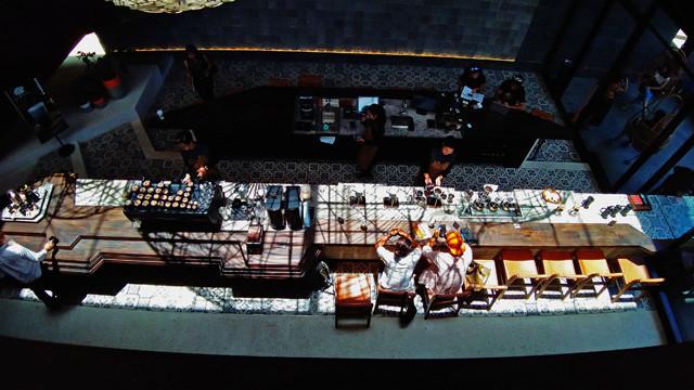 バリ島スターバックスリザーブデワタ!東南アジア最大のスタバ