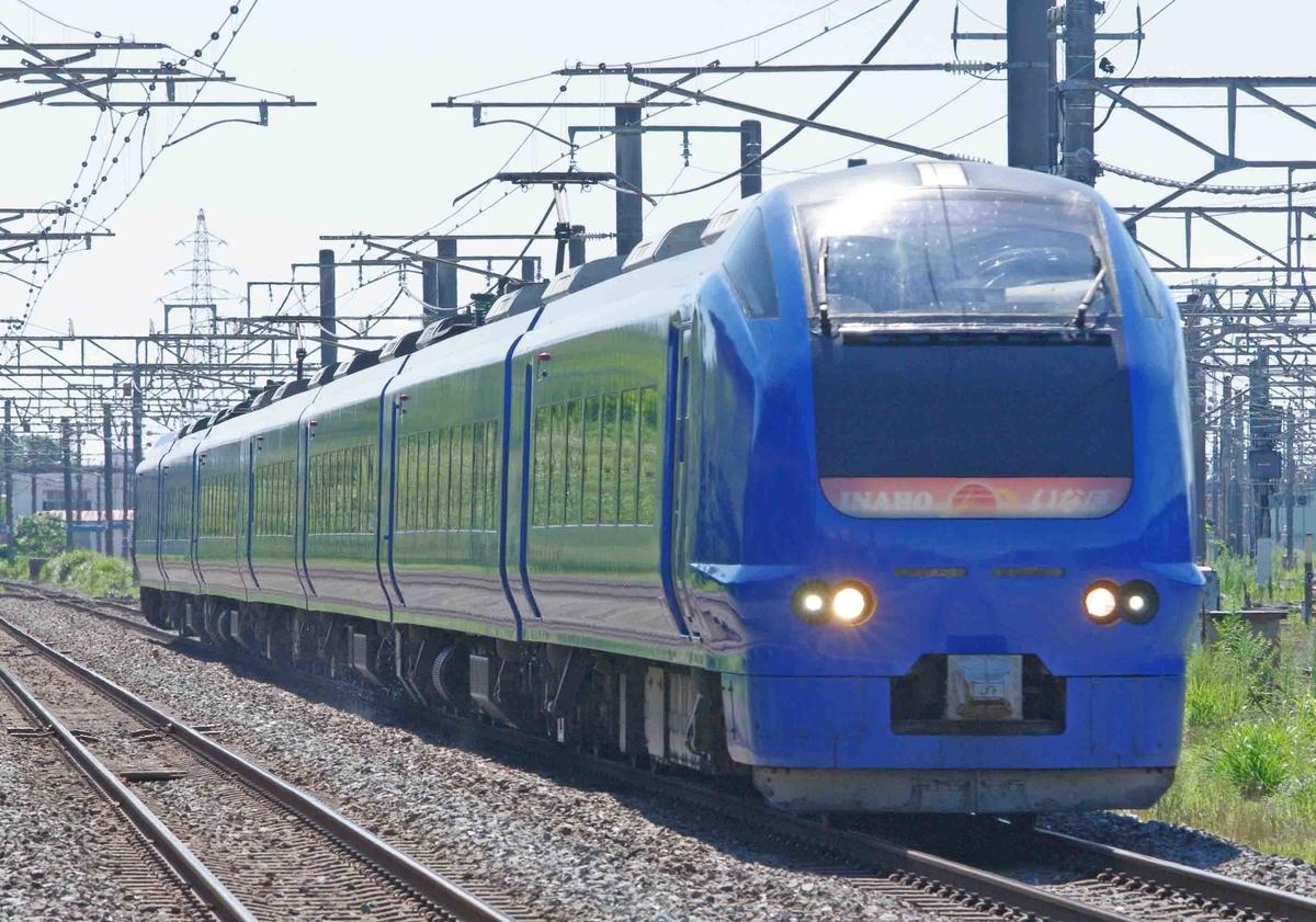 E653系1000番台 ハマナス色 瑠璃色 特急いなほ号 白新線東新潟駅で撮影