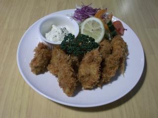 埼玉県越谷市千間台西2丁目にある洋食店「きゃせろ~る」のカキフライ
