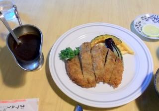 埼玉県越谷市千間台西2丁目にある洋食店「きゃせろ~る」の子牛のカツレツ