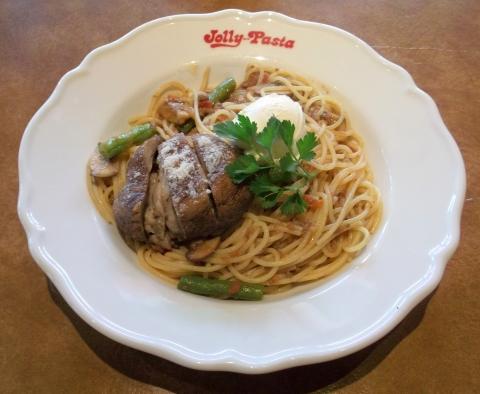 ジョリーパスタ(Jolly-Pasta)青井店の黒毛和牛の濃厚ミートソースと肉詰めマッシュルームの贅沢な旨み