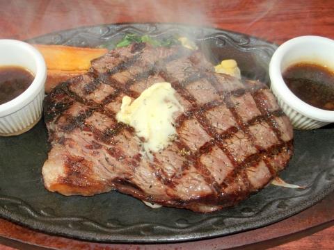 ステーキ&ハンバーグいわたき千間台店のトップサーロインステーキ300g