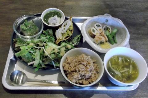健康ごはんのお店naturalcafeKIKIのバランスごはん