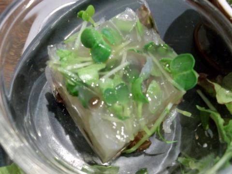 健康ごはんのお店naturalcafeKIKIの黒豆としらたの寒天よせ