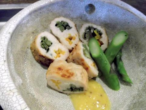 健康ごはんのお店naturalcafeKIKIの新たまねぎとブロッコリーのタラの芽のつくね巻き