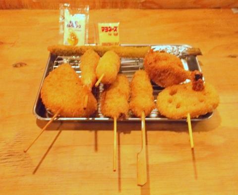 串カツ田中元住吉盛り合わせ5品にえびうずら卵鶏手羽先
