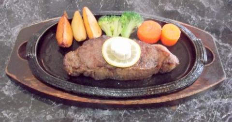 ハンバーグとステーキのお店花もようのニュージーランド産サーロインステーキ300g