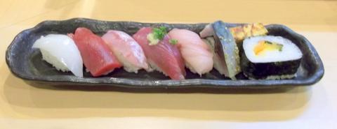 越谷市せんげん台駅東口千間台東にある寿司店その名もおすしやさんのお寿司