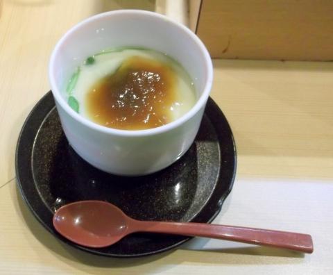 越谷市せんげん台駅東口千間台東にある寿司店その名もおすしやさんの茶碗蒸し