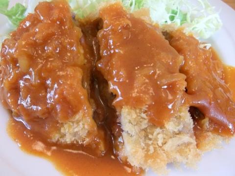 つくばエクスプレス六町駅を最寄駅とする東京都足立区南花畑2丁目にある洋食店はりきりモーリスのビーフカツ赤デミソース50g
