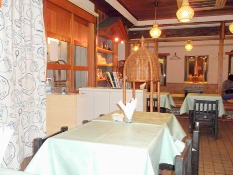 東京都練馬区平和台3丁目にあるレストラン「Grill Matsumoto グリルマツモト」店内