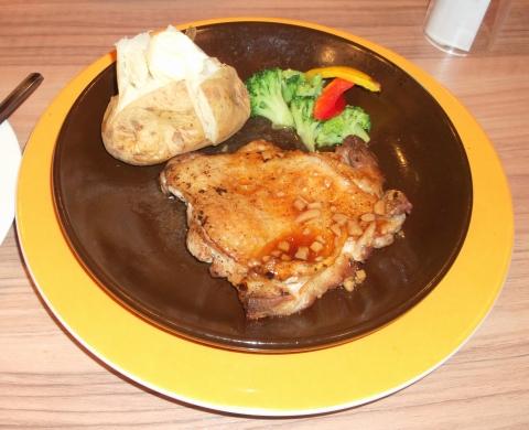 ジョナサン練馬光が丘店の地鶏阿波尾鶏ステーキ